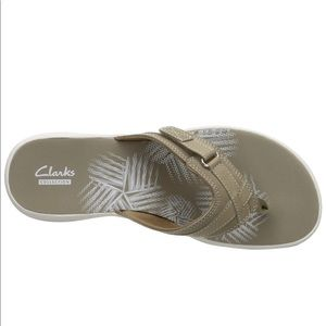 NWT Clarks Sea Breeze Flip Flops